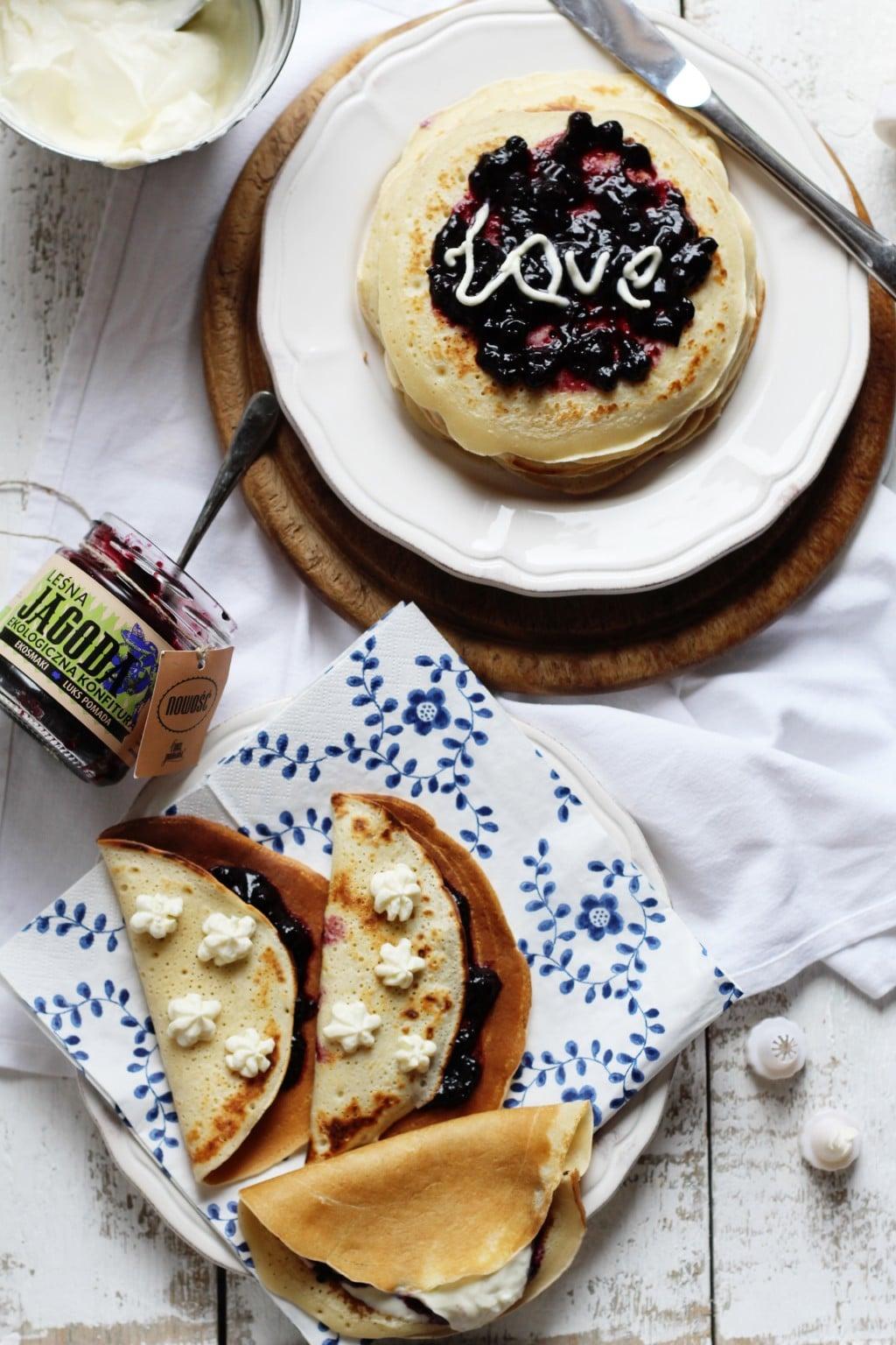 pancakes-konfitura-jagoda-1JPG